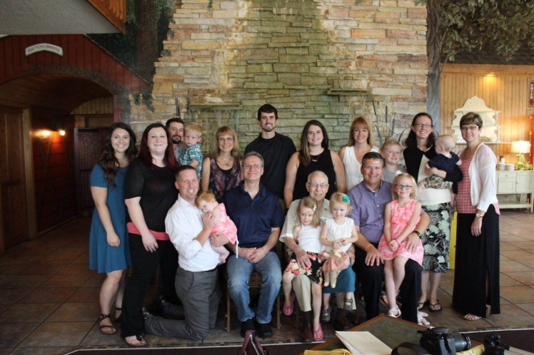 2016-08-26 Entire Family minus Jessie and Whitney Edited